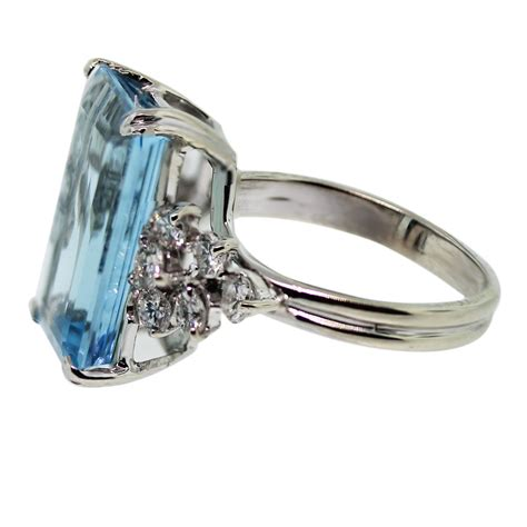 14k white gold 10ct emerald cut aquamarine ring
