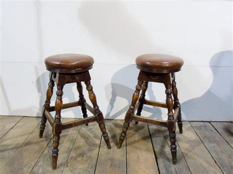 Traditional Pub Bar Stools by Pair Of Traditional Oak And Leather Bar Stools Pub Kit
