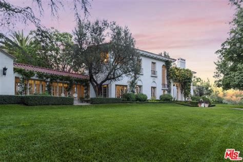 angelina jolie s new home beverly hills magazine sofia vergara dropped 10 6 million on a villa in the