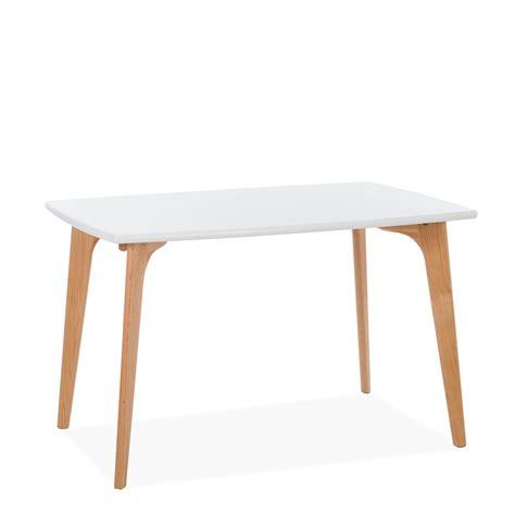 illuminazione tavolo illuminazione su tavolo da pranzo illuminazione su tavolo