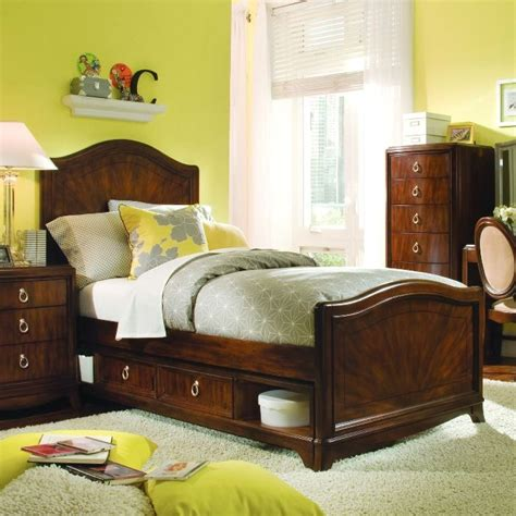 yellow and brown bedroom yellow and brown small bedroom boys spaces