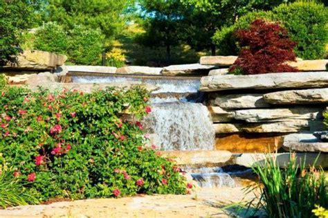 come costruire un giardino roccioso giardino roccioso con cascata come realizzarlo