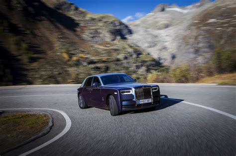 future rolls royce phantom future rolls royce phantom to go electric motorshout