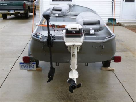alumacraft  boat  trailer horse outboard