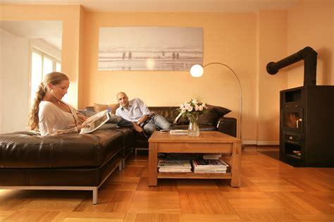 wohnzimmer farbig streichen wohnung streichen gunstig speyeder net verschiedene