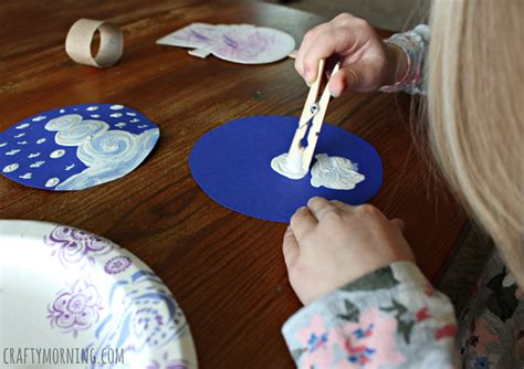 Christmas Crafts Kids Can Make - pom pom painted cardboard snow globe craft crafty morning