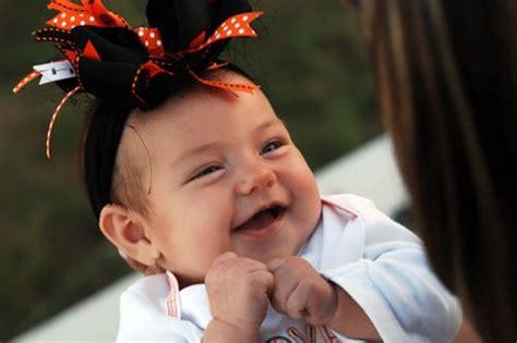Anda Dan Sang Bayi panduan sebelum menindik telinga bayi