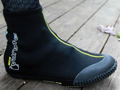 cold weather bike shoes 5 cold weather shoe covers to consider kyle s bikes