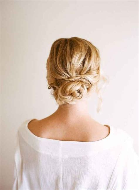 10 easy updos you can actually do with 2 hands hello glow 31 gorgeous wedding hairstyles you can actually do yourself