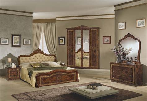 spiegel für schlafzimmer kommode mit spiegel schwarz gold f 252 r schlafzimmer