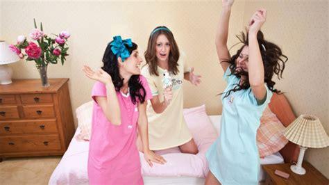 que se necesita para una pijamada con tus amigas   youtube