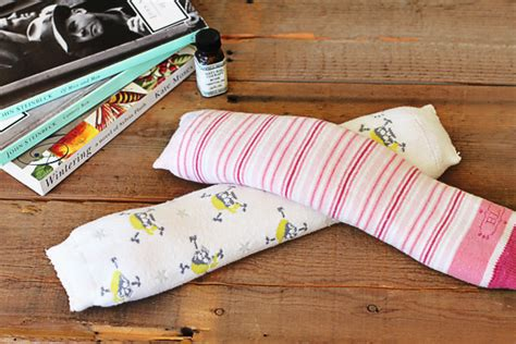 diy sock heating pad diy homeopathic aromatherapy packs with rice