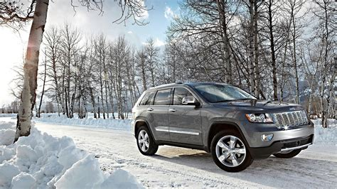 jeep snow wallpaper jeep grand cherokee in snow 1920x1080 car