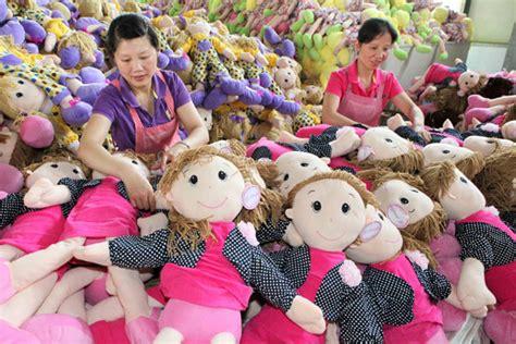 februari  buruh harian pabrik subang karawang