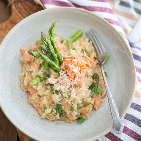 salmon and risotto smoked salmon asparagus risotto the healthy foodie
