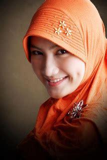 manfaat berjilbab bagi seorang wanita manfaat berjilbab bagi wanita muslimah contoh artikel