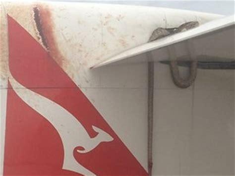film barat ular di pesawat pramugari ada ular di sayap pesawat