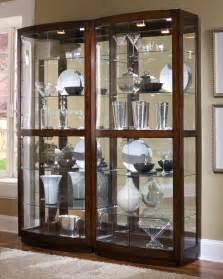 What To Put In Curio Cabinet Pulaski Curio Cabinet 21221 Bunching Curio