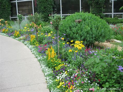Landscape Edging Next To Sidewalk Garden Edging Next To Sidewalk Flower Gardens Include
