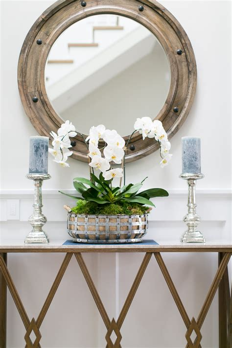 Entry Console Table With Mirror California Cape Cod Home Design Home Bunch Interior Design Ideas