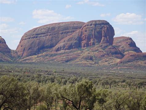 australias northern territory ayers rock  kata tjuta
