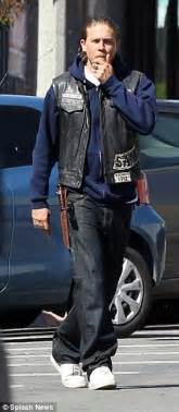 hunnam on sons of anarchy set after quitting