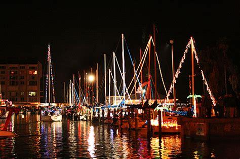 holiday boat parade in dunedin florida