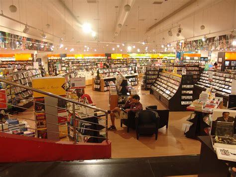 libreria feltrinelli via appia roma attacco all arte la bellezza negata libreria