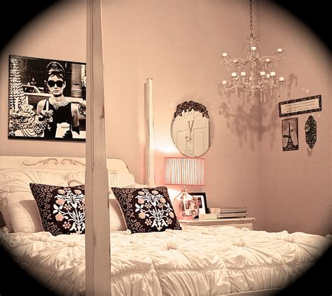 holly golightly bedroom college apartment in holly golightly style