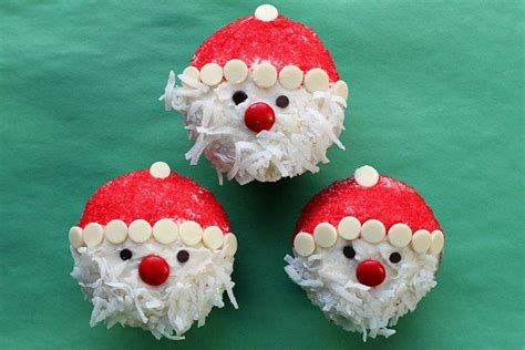 easy santa claus cupcakes christmas desserts