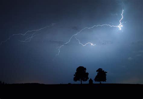 the lighting s lightning bolt travelled almost 200
