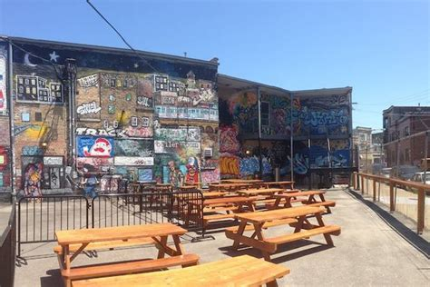east room chicago logan square s east room brings food trucks to patio logan square dnainfo chicago