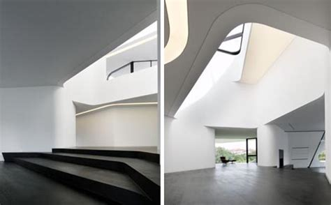 Curve Interior Design by Complex But Contextual Unique Curved Modern House