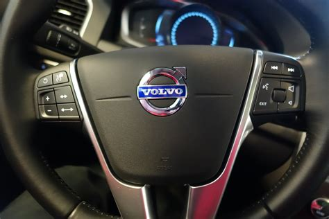 check engine light volvo s60 top 3 reasons your volvo s check engine light is on