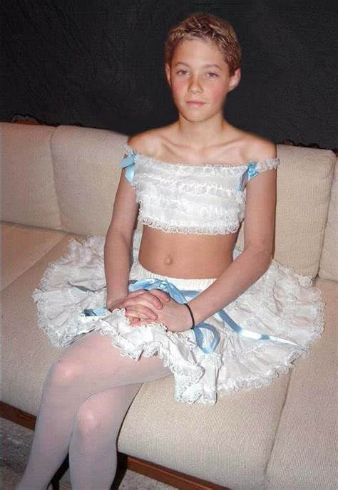 sissy boys wearing girls clothes tights and pantyhose