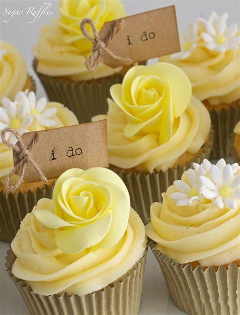 Wedding Cake Yellow by Yellow Wedding Cake Cupakes