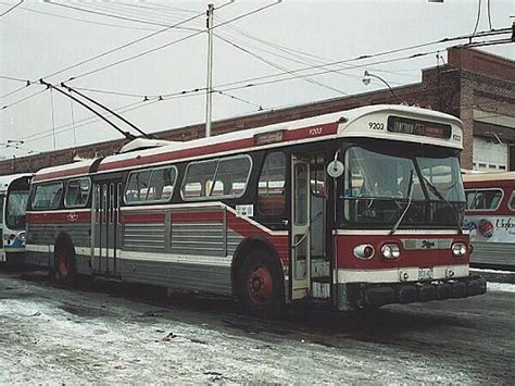 toronto trolleys and buses on bring back the trolley treehugger