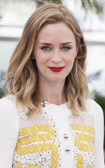 emily blunt hairstyles hairstyles emily blunt medium beachy hairstyle