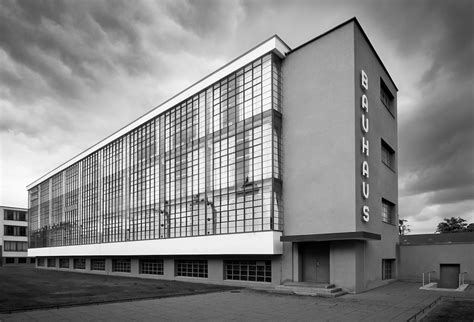 Learning in the Bauhaus School: five lessons for today?s designers (and five ways the web still is