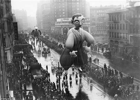 history of new year parade a history of macy s thanksgiving parade from the 1930s to