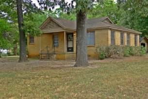 2 Bedroom 1 Bath House For Rent Palestine Real Estate Amp Palestine Tx Homes For Sale