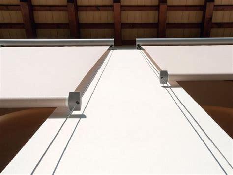 tende da sole con guide laterali tende da sole a caduta per balconi finestre verande