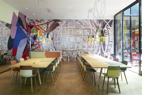 london themed hotel citizenm hotel london bankside with cool british theme