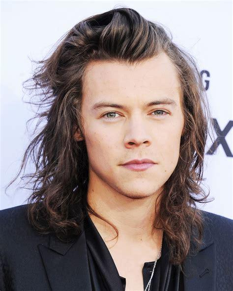 model rambut panjang  pria   membuatmu