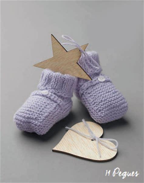 free knitting patterns baby socks two needles free baby booties knitting pattern needles