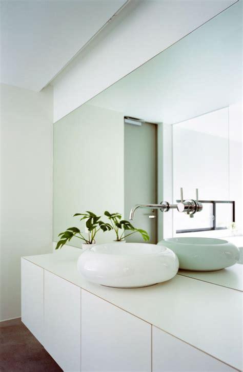 Badezimmer Mönchengladbach by Outotunoie Haus Ma Style Architects Futuristisches