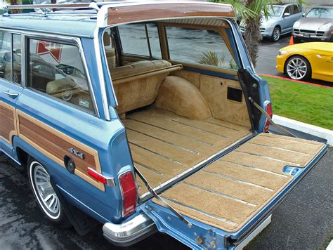jeep wagoneer trunk 1988 jeep grand wagoneer rear cargo area cars