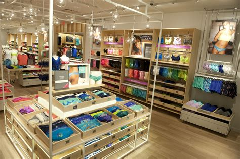 On The Shelf Stores Location by It S Here Aerie S New Store Design 171 American Eagle