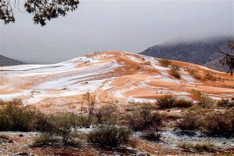 sahara desert snow sahara desert covered with snow for the first time since