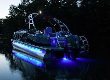 driving your boat at night are you legal what qualifies as navigational lighting